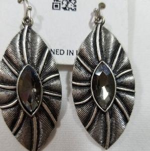 Jewelry - Gunmetal Silver Tone Dangle Earrings